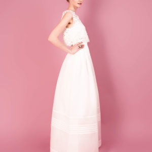 Separates by Muscat Bridal. 3D flower top with scalloped edge. Structured silk organza skirt with pleated high waist.